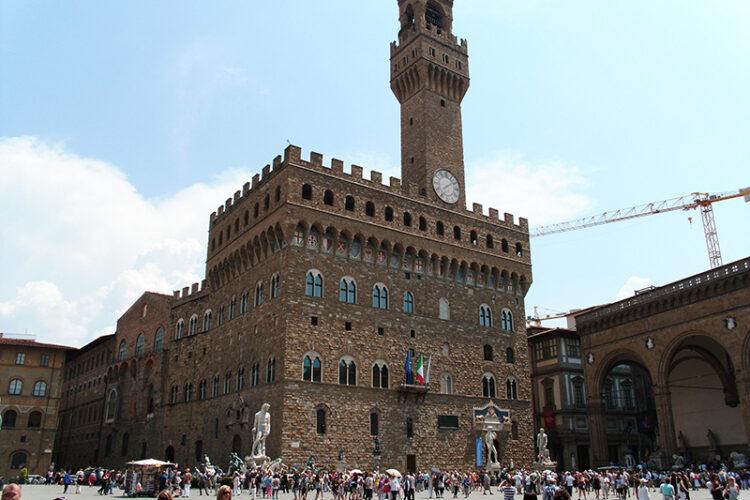 Firenze, palazzo della signoria, visita guidata al centro politco della città. Itinerario per adulti e studenti.